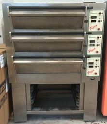 Tom Chandley 3 Deck 6 Tray Low Crown Pizza Oven - Product Code DO07